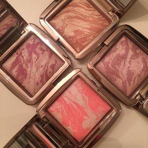 Hourglass Makeup - Hourglass Ambient Lighting Blush